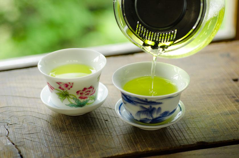 茶杯で楽しむお茶